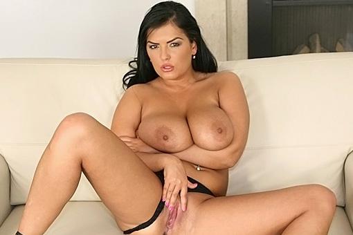 Jasmine Black in Big Naturals: Big Tits Bonanza