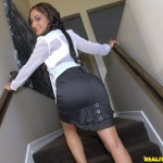 Lola James in Round and Brown: So Amazing 01